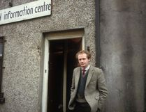Northern Irish politician Martin McGuinness stands outside the Republican Information Centre in Londonderry, 23th September 1985. An alleged IRA leader, he became deputy First Minister of Northern Ireland in 2007. (Photo by Kaveh Kazemi/Getty Images)