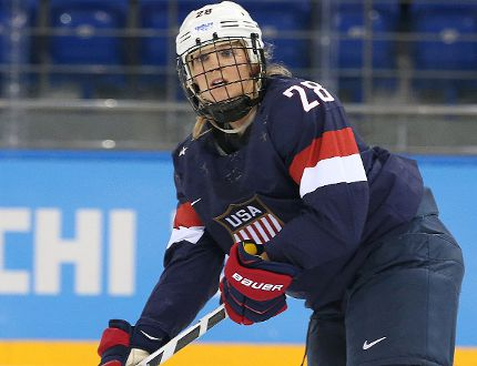 Team USA's Amanda Kessel in action against Team Sweden in the Women's Ice Hockey Semifinals at the 2014 Olympic Winter Games in Sochi, Russia, on Feb. 17, 2014. (Al Charest/Postmedia Network/Files)