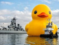 Giant rubber ducky