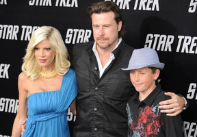 Tori Spelling, Dean McDermott and son Jack parade on the red carpet as she arrives at Grauman's Chinese Theatre in Hollywood for the premiere of the movie 'Star Trek' in Los Angeles on April 30, 2009. (MARK RALSTON/AFP/Getty Images)