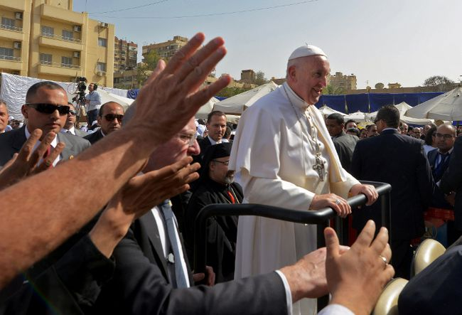 Pope Francis arrives at the Coptic Catholic College of Theology and Humanities in the southern Cairo suburb of Maadi, on April 29, 2017.