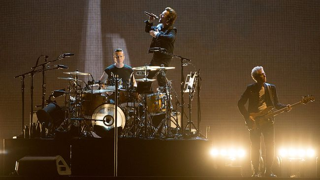 (L-R) Bono and Larry Mullen Jr. of rock band U2 perform on stage during their 'The Joshua Tree World Tour' opener at BC Place on May 12, 2017 in Vancouver, Canada. (Photo by Andrew Chin/Getty Images)
