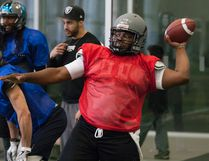 The Fort McMurray Monarchs are entrusting their quarterback duties to Texan Deric Davis. Robert Murray/Fort McMurray Today/Postmedia Network