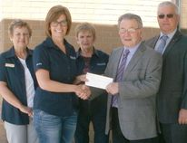 The Kincardine and Community Health Care Foundation recently received a massive $600,000 donation from the Estate of the late Wesley Giesz. The Kincardine Foundation was presented the cheque recently by the Executor and the Co- Executor of the estate. L-R: Dianne MacArthur, Becky Fair, Mary Hall, Gordon McGarvey and Arnold Berndt.