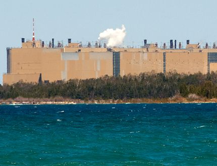The Bruce nuclear plant, privately-operated but Ontario-owned, looms large on the Lake Huron shoreline of the Bruce Peninsula near Kincardine. (Free Press file photo)