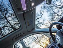 Sunroof vs. moonroof: Everything you need to know