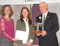 Long-time west Elgin 4-H leader Ken McCallum, right, was one of three Ontario leaders recognized this year by the organization. He is joined by Debra Brown, left, 4-H Ontario executive director, and Claire Wooding, representing award sponsor Syngenta. (Contributed Photo)