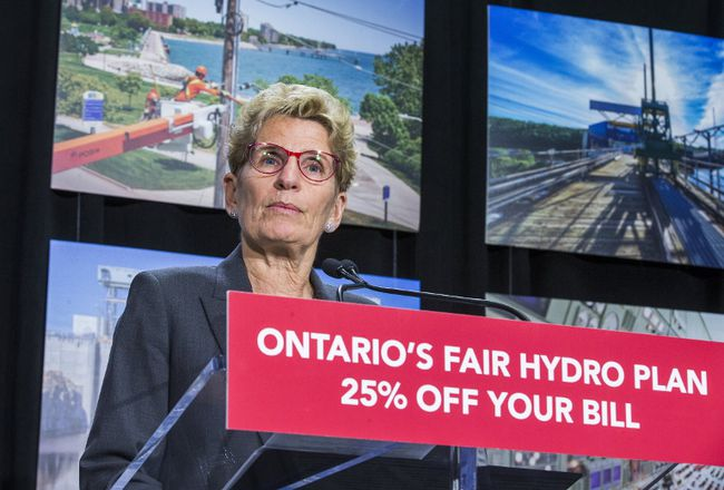 Ontario Premier Kathleen Wynne announces cuts to hydro rates on average of 25 per cent during a press conference in Toronto, Ont. on Thursday March 2, 2017. (Ernest Doroszuk/Toronto Sun)