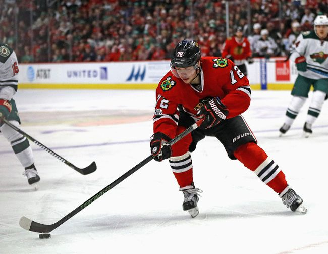 Artemi Panarin of the Chicago Blackhawks controls the puck against the Minnesota Wild at the United Center on March 12, 2017 in Chicago. (Jonathan Daniel/Getty Images)