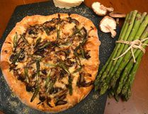 Wild Mushroom Pizza with Fontina (MIKE HENSEN, The London Free Press)