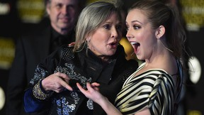 """Carrie Fisher (L) and Billie Lourd attend the Premiere of Walt Disney Pictures and Lucasfilm's """"Star Wars: The Force Awakens"""" on Dec. 14, 2015 in Hollywood, Calif.  (Jason Merritt/Getty Images)"""