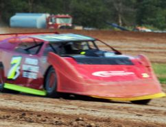 There's a two-way tie for first in the Late Model points race heading to the weekend at New Humberstone Speedway in Port Colborne.