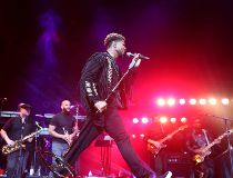 Usher and The Roots at the Saddledome