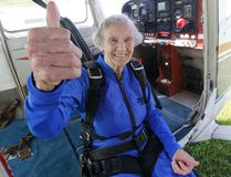 Maire Hollo celebrates her 89th birthday by skydiving on Thursday, July 20, 2017. (MICHAEL PEAKE/TORONTO SUN)