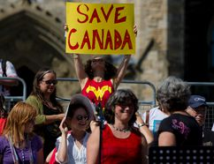 Hundreds gathered on Parliament Hill in Ottawa to participate in a singalong protest against Stephen Harper and his government on Sept. 17, 2015. (Errol McGihon/Postmedia Network)