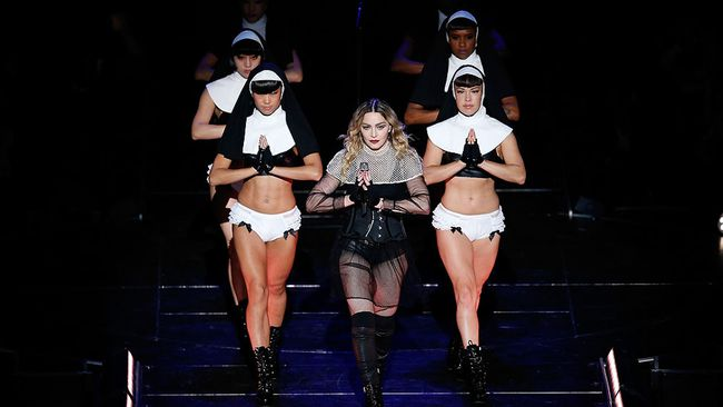 Madonna performs at the Allphones Arena on March 19, 2016 in Sydney, Australia.  (Zak Kaczmarek/Getty Images)