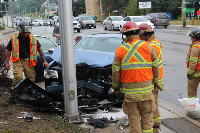 This car received the worst of a two vehicle collision in South London Thursday night. (CHARLIE PINKERTON/THE LONDON FREE PRESS/POSTMEDIA NETWORK)