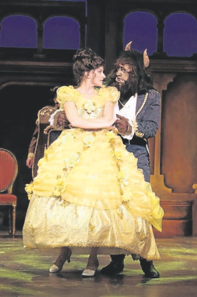 Danielle Wade and Tony Edgerton star in Beauty and the Beast at Huron Country Playhouse. (Liisa Steinwedel/Special to Postmedia News)