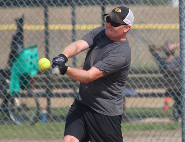 The Big Hit Slow Pitch tournament featured 14 teams.