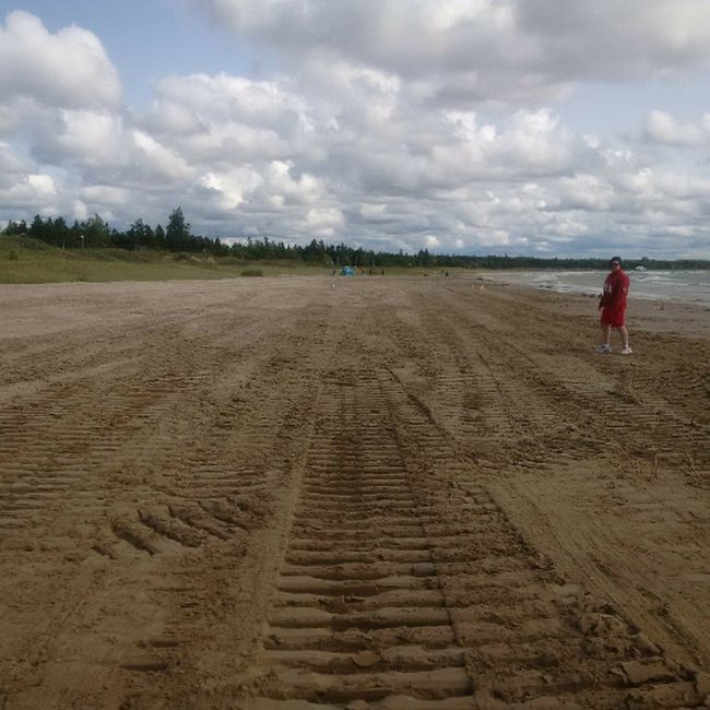 Sauble Beach after the town used a bulldozer to remove thick vegetation at north end of beach. Photo was shared by South Bruce Peninsula Mayor Janice Jackson on her Facebook page Thursday. (Used with permission)