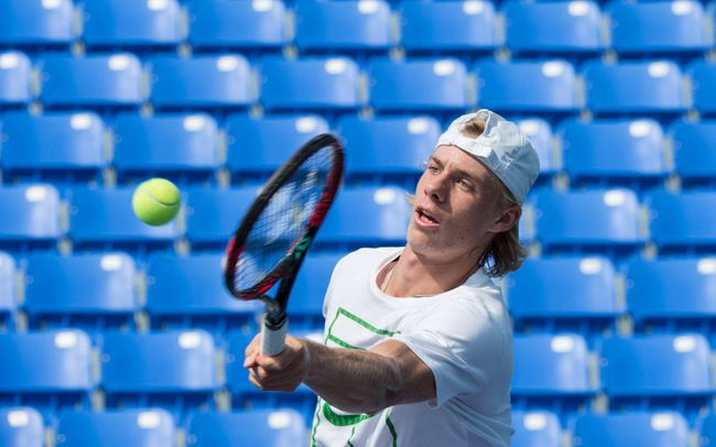 Denis Shapovalov returns the ball during a training session as he prepares for the upcoming U.S. Open, Thursday, August 17, 2017 in Montreal. (THE CANADIAN PRESS/Paul Chiasson)
