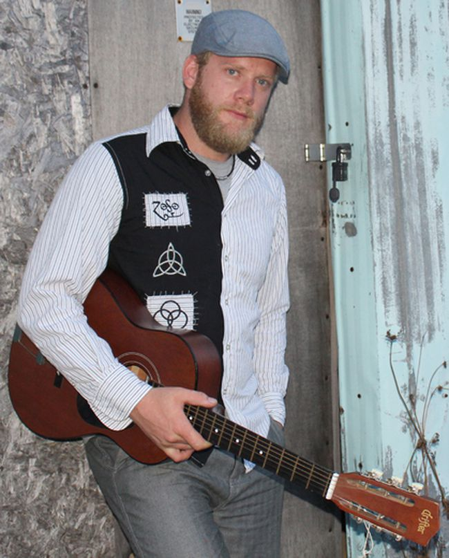 Andrew Parkhouse is off to Memphis and a fundraiser has been organized to aid in the new adventure for the artist. A new record is in the works and you can find Parkhouse performing on Saturday September 9, 2017 at the Bruce Steakhouse Kincardine. Parkhouse will be recording a new studio album in Memphis with Ghost Town Blues Band.