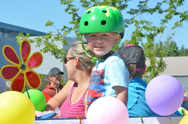 The Ardrossan Recreational and Agricultural Society (ARAS) hosted their annual parade and picnic in June.