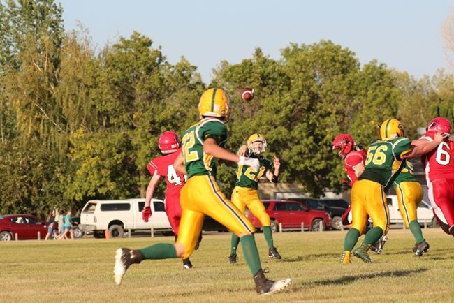 Melfort Comets' quarterback Mason Mindiuk can see his target during the Comets' 67-7 win over the LP MIller Bears on Friday, September 8.