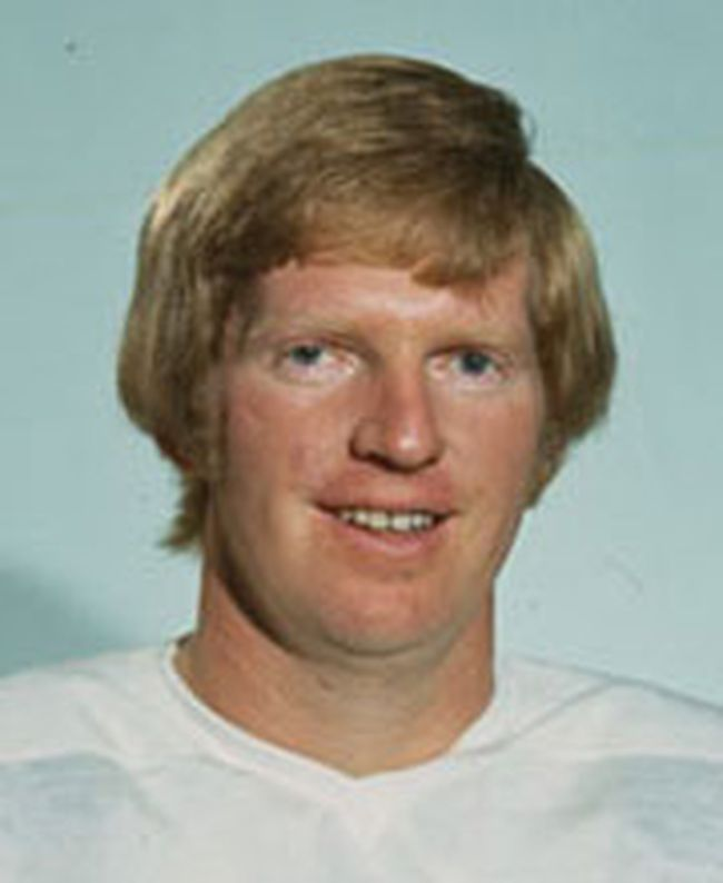 Pat Stapleton (Photo courtesy www.teamcanada1972.ca)