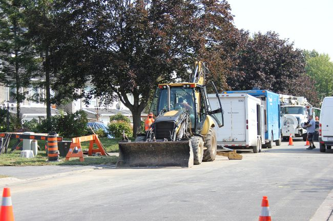 <p>Municipal Works crews were kept busy on Tuesday September 19, 2017 in Cornwall, Ont. taking care of two water main breaks that happened Monday night, one on Glengarry Boulevard and one on Osborne Avenue.</p><p> Lois Ann Baker/Cornwall Standard-Freeholder/Postmedia Network