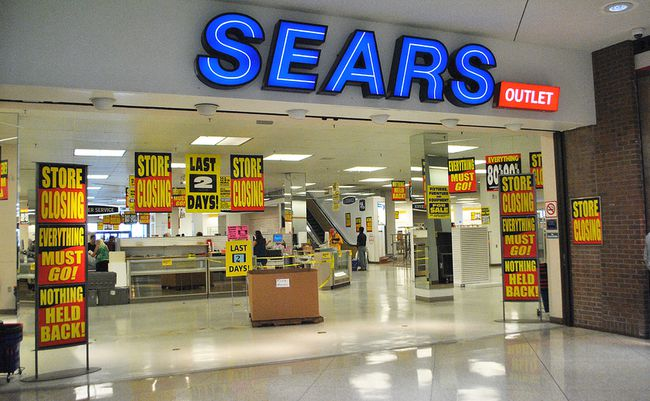 Items at the Sears Outlet store in the Downtown Chatham Centre were discounted as high as 90 per cent prior to the store closing on Sunday. (Tom Morrison/Postmedia Network)