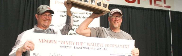 Left is William Duncan of Nipawin and Richard Whyte of Shaunavon. The team of 11 years won the 2017 Vanity Cup on Tobin Lake on Sunday, October 1