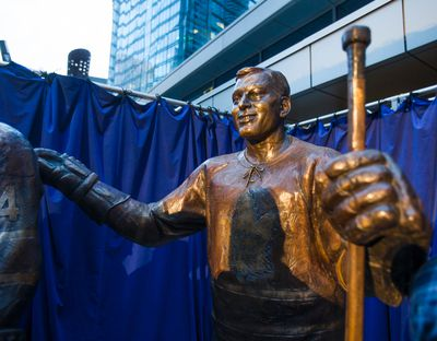 Toronto Maple Leafs alumnus statue of Frank Mahovlich at the unveiling at Leafs Legends Row outside of the Air Canada Centre in Toronto, Ont.  on Thursday October 5, 2017. Ernest Doroszuk/Toronto Sun/Postmedia Network