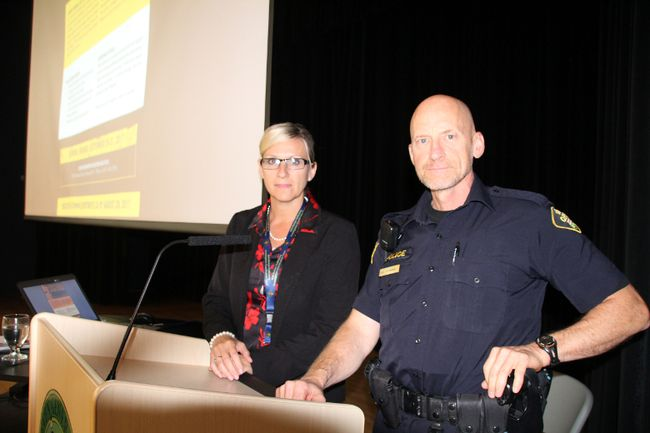 OPP Inspector Tina Chalk (left) of electronic crimes based in Orillia and Kenora OPP Const. Bob Bernie, community mobilization officer, helped put together the conference on human trafficking in Kenora, Sept. 21-22. SHERI LAMB/Daily Miner and News/Postmedia Network