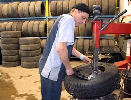Maurice Thibeault is seen in this January 2016 Postmedia file photo working as a tire technician at Brooks Tire in Chatham.