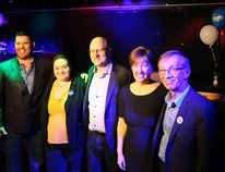 Councillors-elect Jeff Peddel, Krista Balsom, Verna Murphy and Mike Allen pose for a photo with Mayor-elect Don Scott at Sociables on Monday, October 16, 2017. Vincent McDermott/Fort McMurray Today/Postmedia Network