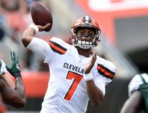 DeShone Kizer returns as the Cleveland Browns' starting QB, one week after he was benched. (AP)