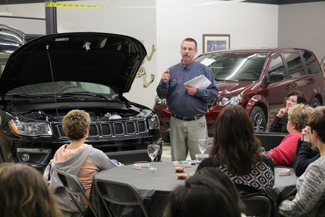 Professionals explained some basic vehicle knowledge and maintenance to women on October 26.