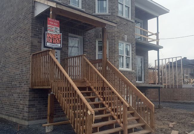 <p>A picture of a newly-completed semi-detached dwelling on Cumberland Street with a sign already advertising apartments for rent, taken on Saturday November 4, 2017 in Cornwall, Ont. </p><p>