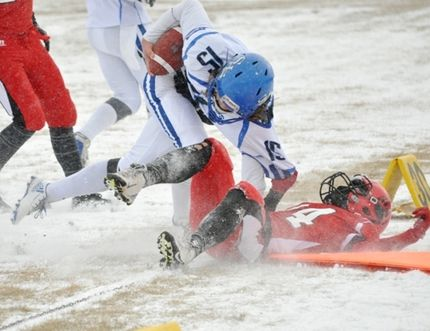 The snow might have been a bit slippery, but it wasn't slowing down the football play on Saturday as Nipawin hosted Shaunavon in the provincial semi finals for 2A Nine Man Football