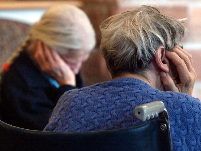 Residents at a long-term care home. (Bruno Schlumberger, Postmedia Network)
