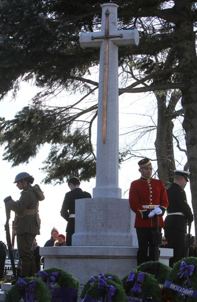 Honour guard at the City of Kingston Remembrance Day Civic Ceremony at the Cross of Sacrifice in Kingston, Ont. on Saturday November 11, 2017. Steph Crosier/Kingston Whig-Standard/Postmedia Network
