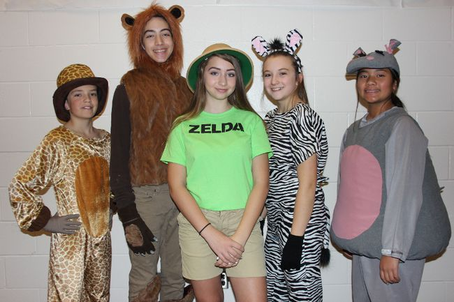 Cast members from Madagascar, A Musical Adventure Jr. Anthony MacDonald, Ethan Gilmore, Alexis Gilmore, Millie Cameron-Burelle and Sabrina Esteban play the main characters.