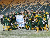 Fort High Sting football team were down 28-7 at the half against ME LaZerte Voyageurs but quickly turned things around in the second half to come out with a 39-28 win to claim the Metro Edmonton Athletics' Division 3 Gilfillan Championship at Commonwealth Stadium on Nov. 8.