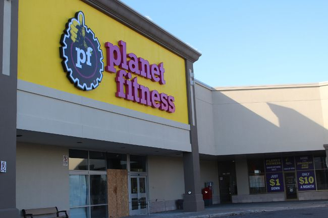 <p>Planet Fitness at the Brookdale Centre, opening next month as pictured on Friday, November 17, 2017, in Cornwall, Ont. </p><p>
