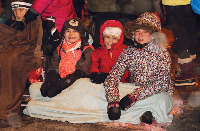 A large crowd turned out for the Sudbury Santa Claus Parade in Sudbury, Ont. on Saturday November 18, 2017. John Lappa/Sudbury Star/Postmedia Network