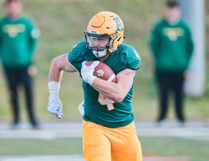Photo submitted by Don Voaklander/Golden Bears and Pandas Athletics - Ed Ilnicki established new Golden Bears and Canada West records this season on his way to becoming Canada West player of the year and a Hec Crighton nominee for most outstanding player in the country.