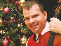 Photo supplied Canadian champion fiddler Scott Woods, and his band, will bring his Old Time Christmas Tour to Blind River on Dec. 2.