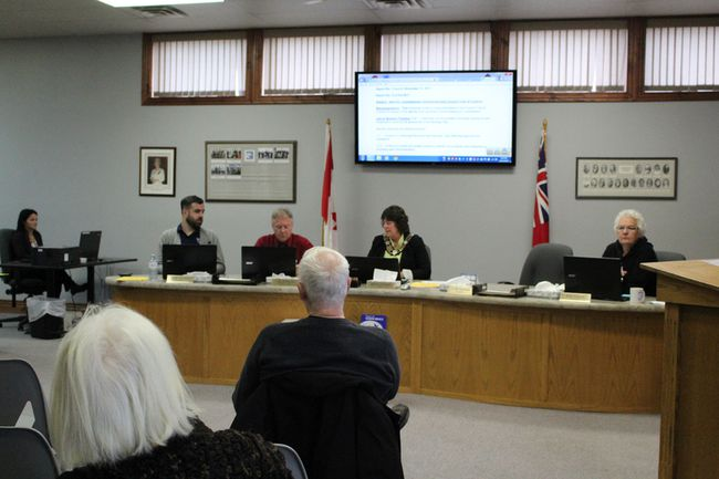 South Bruce Peninsula Councillor Ana Vukovic (right), asked fellow council members to allow Coun. Craig Gammie to continue in his role as councillor at a meeting in Wiarton, Nov. 21. Photo by Zoe Kessler/Wiarton Echo