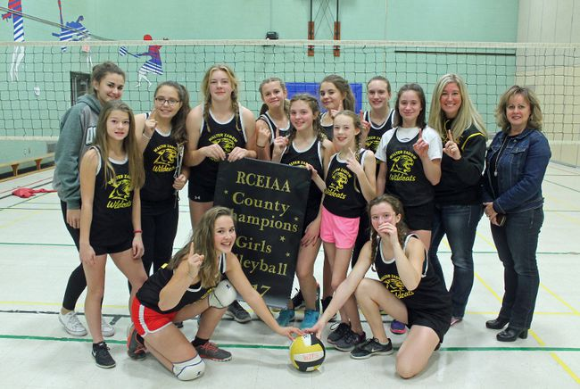 C�lina Ip / Daily ObserverArnprior's Walter Zadow Public School were this year's winners of the girls' Grade 8 Renfrew County volleyball Tournament of Champions. Pictured in the back row (from left) are assistant coach Maggie Clattenberg, Olivia Weber, Morgan Ferrier, Olivia Wertwyn, Jayden Gunning, Kiersten McMullen, Bella Hamilton, coach Sally Fransky and  RCDSB Trustee Wendy Hewitt. Pictured in the middle row (from left) are Nicole Gillan, Emily Phillips and Lisa McCombe. In front (from left) are Haley DuPont and Lindsay Gillan.